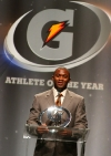3-jonathan-gray-on-stage-at-gatorade-awards-2012-b