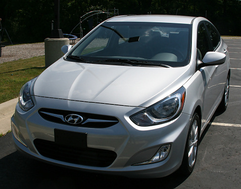 2-2012-hyundai-accent-first-drive