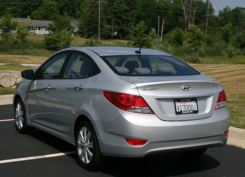 5-2012-hyundai-accent-first-drive