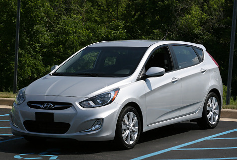 7-2012-hyundai-accent-first-drive