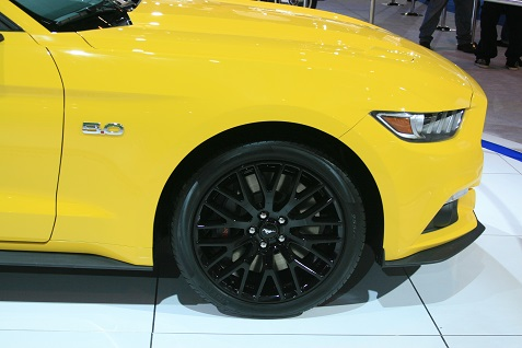 2015-ford-mustang-at-chicago-auto-show-5