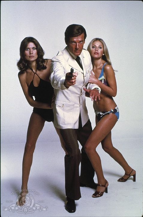 4-maud-adams-britt-ekland-the-man-with-the-golden-gun