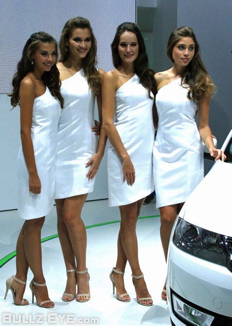 11-booth-babes-2013-frankfurt-motor-show
