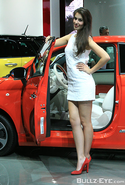 19-booth-babes-2013-frankfurt-motor-show