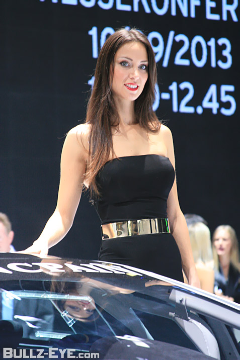 21-booth-babes-2013-frankfurt-motor-show