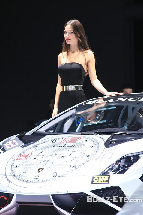 26-booth-babes-2013-frankfurt-motor-show