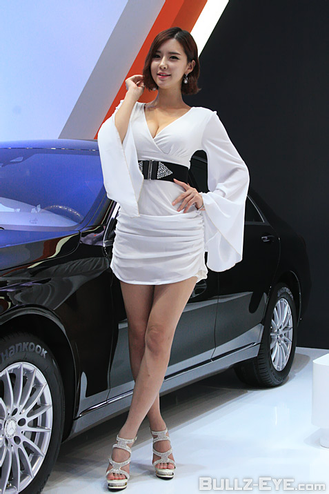 28-booth-babes-2013-frankfurt-motor-show