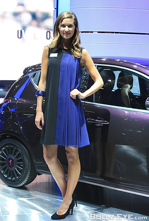 8-booth-babes-2013-frankfurt-motor-show