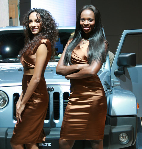 19-booth-babes-at-frankfurt-motor-show