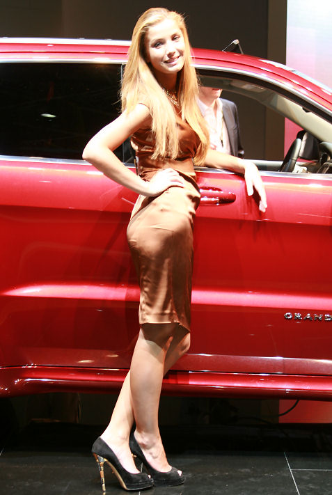 20-booth-babes-at-frankfurt-motor-show