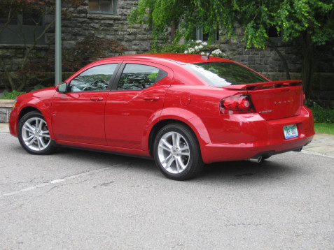 11-red-dodge-avenger-heat-v6