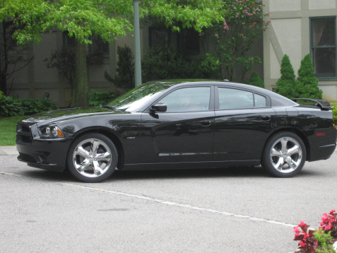12-black-dodge-charger-rt-v8