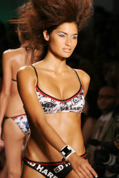 2-ed-hardy-swimwear-fashion-show