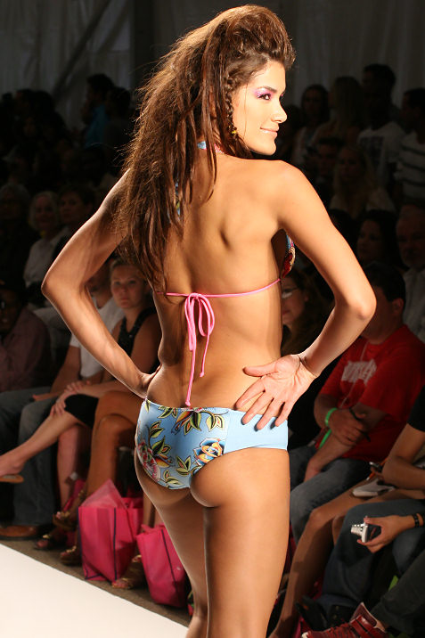 24-ed-hardy-swimwear-fashion-show