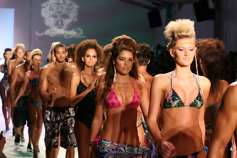 29-ed-hardy-swimwear-fashion-show
