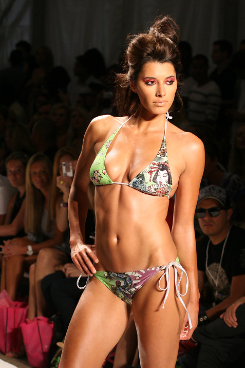 9-ed-hardy-swimwear-fashion-show