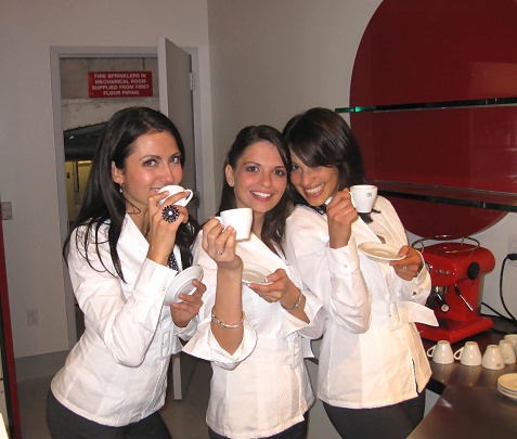 2-espresso-girls-at-fiat-party