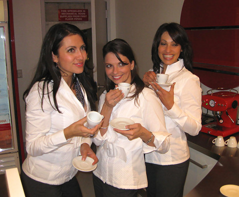 3-espresso-girls-at-fiat-party