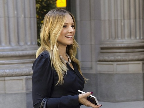 1-kristen-bell-house-of-lies