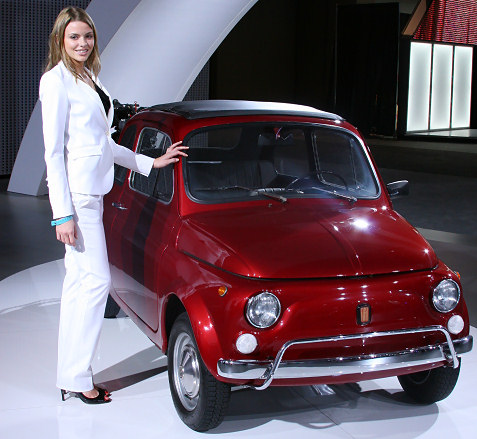 8-vintage-red-fiat-500-los-angeles-auto-show