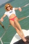 13-miami-boat-show-bullz-eye-bikini-team