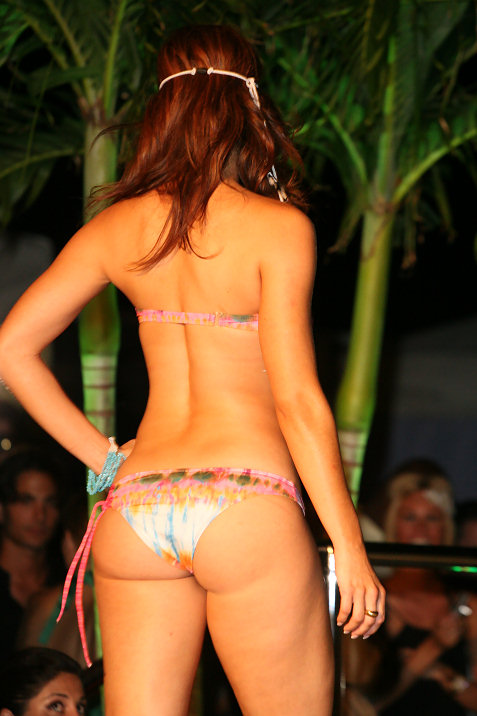 43-miami-dolphins-cheerleaders-in-ed-hardy-fashion-show