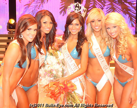 2011-hooters-swimsuit-pageant-02