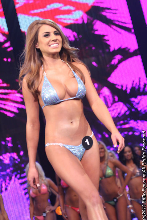 2011-hooters-swimsuit-pageant-03
