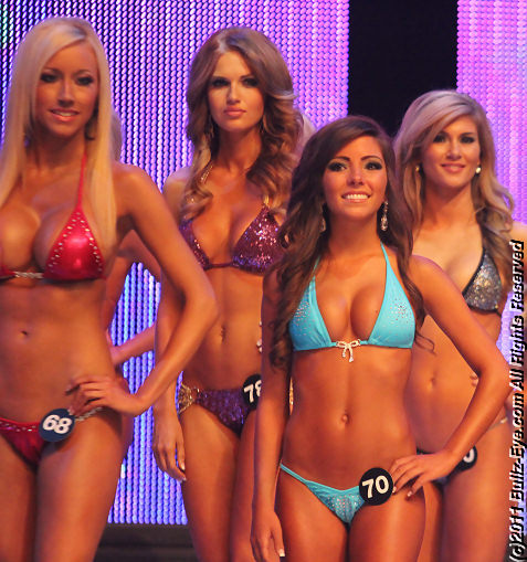 2011-hooters-swimsuit-pageant-23