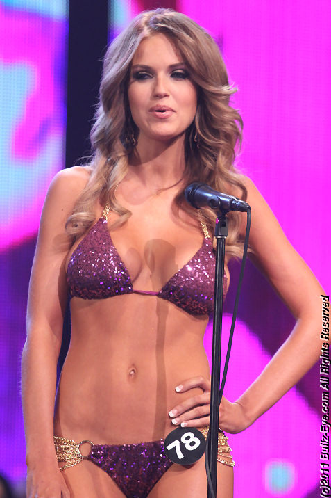 2011-hooters-swimsuit-pageant-26