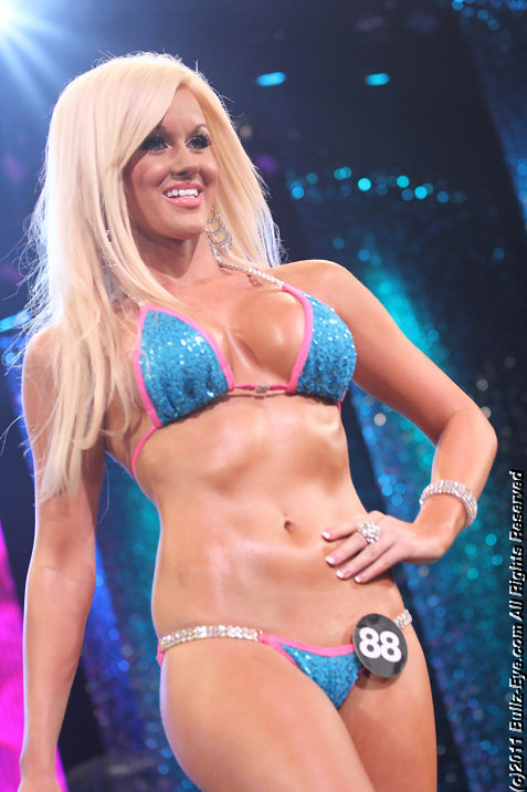 2011-hooters-swimsuit-pageant-31