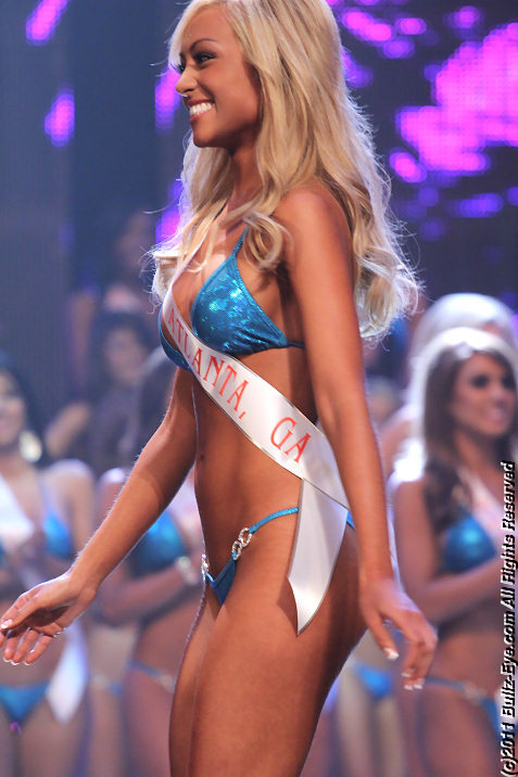 2011-hooters-swimsuit-pageant-47