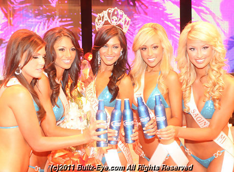 2011-hooters-swimsuit-pageant-64