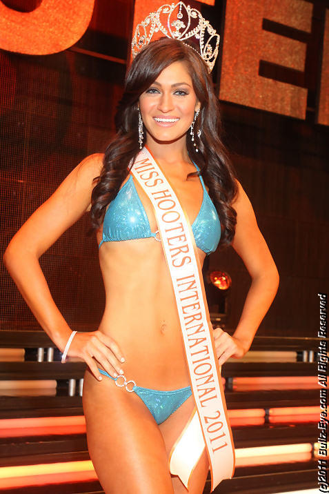 2011-hooters-swimsuit-pageant-66