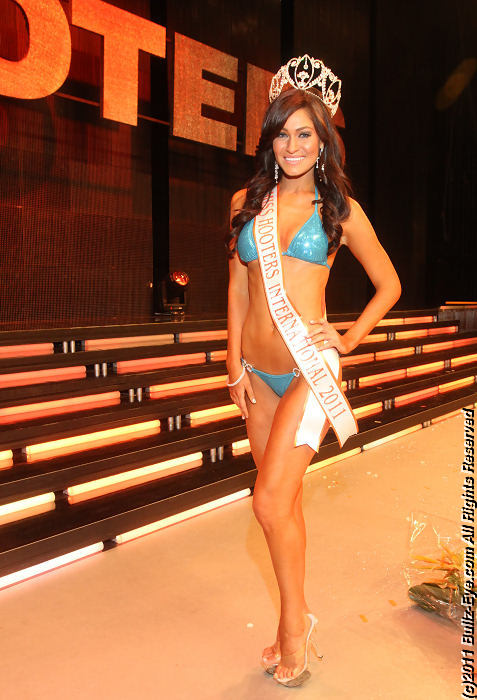 2011-hooters-swimsuit-pageant-68