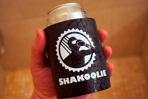 shakoolie-in-hand