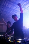 shm-performing-2