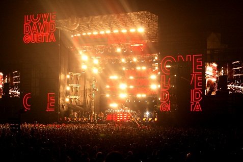 8-ultra-music-festival-2010