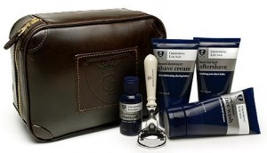 Grooming Lounge kit and bag