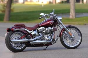 2013-Harley-Davidson-CVO_Breakout