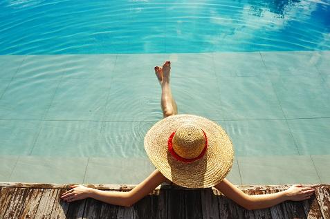 shutterstock_71680024 hotel pool
