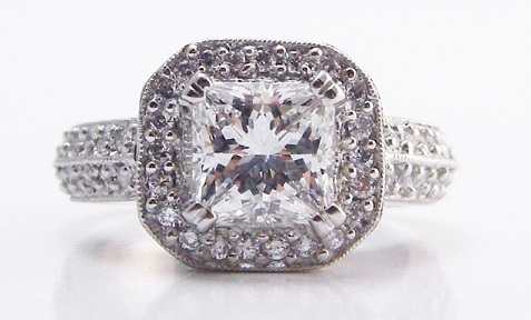 5 Things All Guys Should Know About Engagement Rings