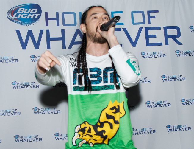 steve-aoki-bud-light-house-whatever