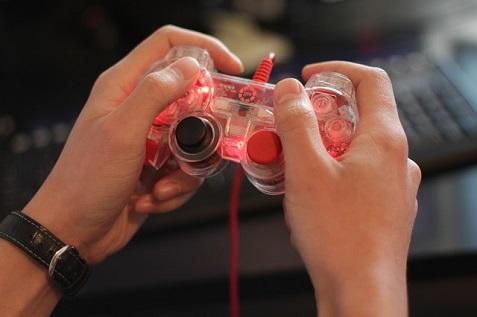 gamer-565585_640