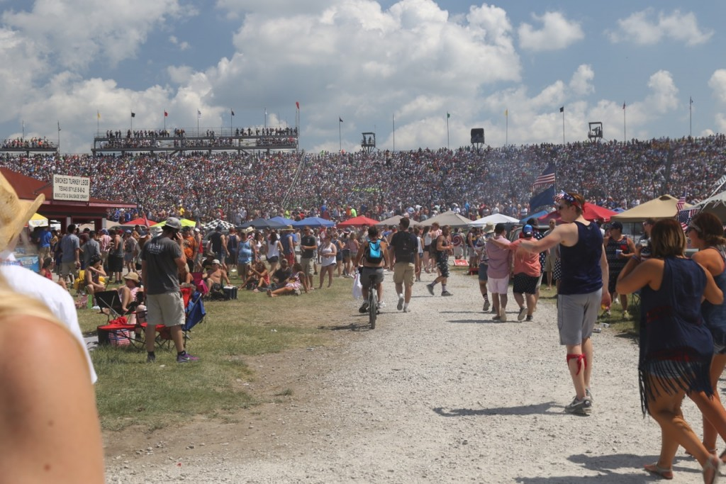 indy-500-infield