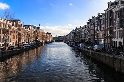 amsterdam-922263_640